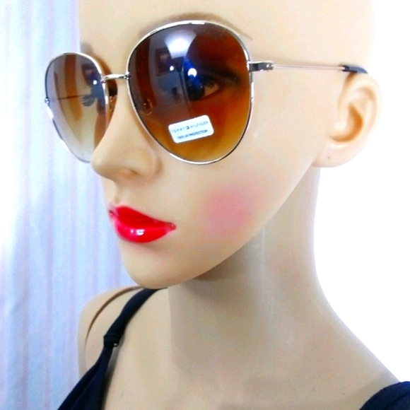 ♦TOMMY HILFIGER Amber Ombre Gold Aviators NWOT